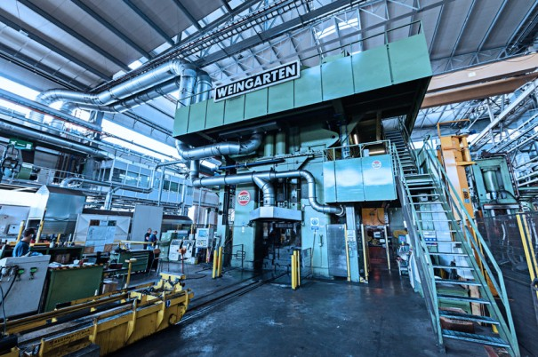 Max Press is one of the largest screw presses in the world, with a capacity of 32,000 tons
