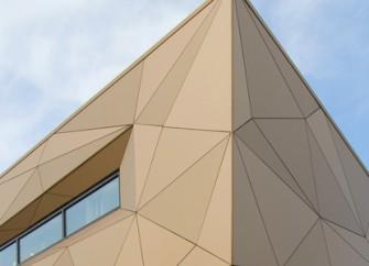 Anarbeitung Fassade - Verklebung