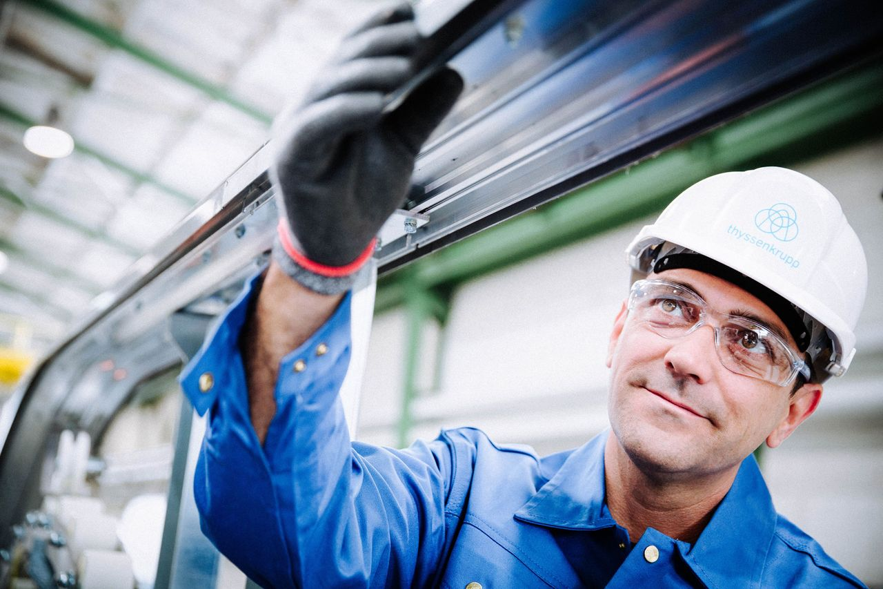 thyssenkrupp systematically improves working conditions and healthcare.