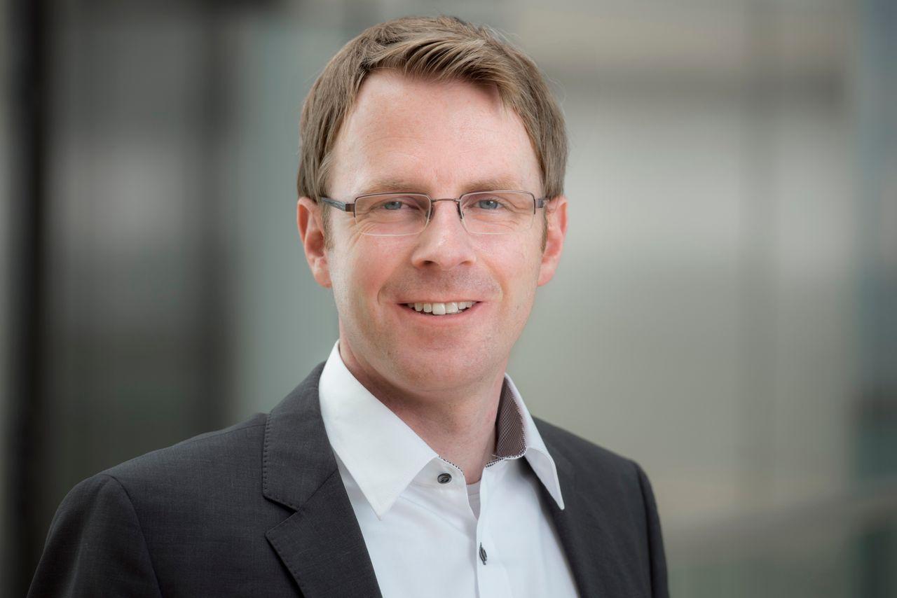 Dr. Christoph Buss