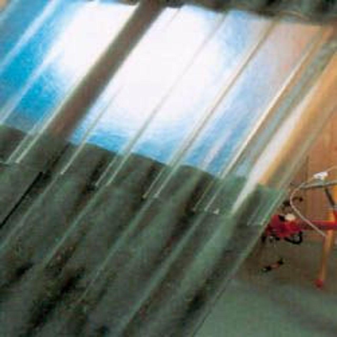 Afbeelding plaques et rouleau ondulées en polyester