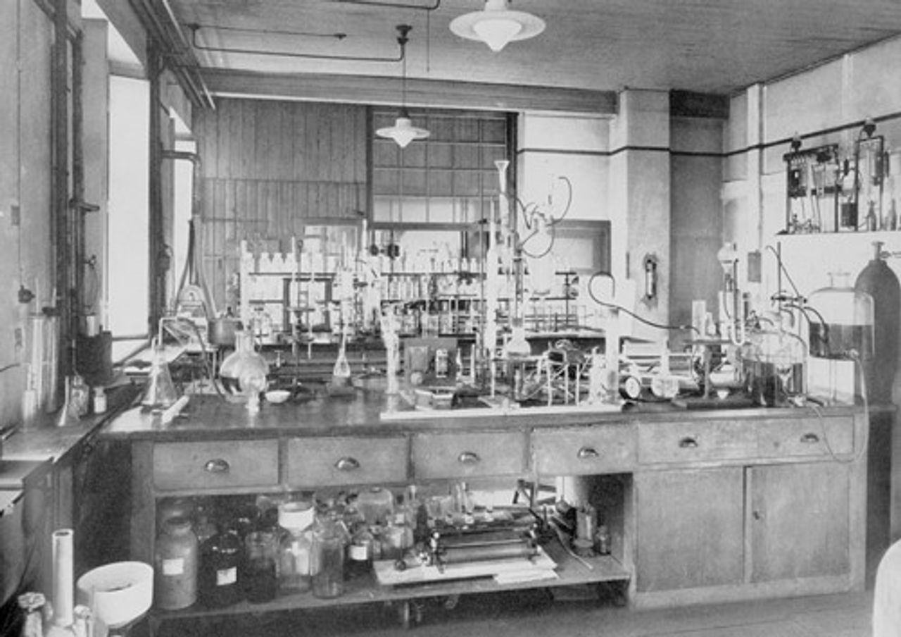 Uhde Laboratory from 1921